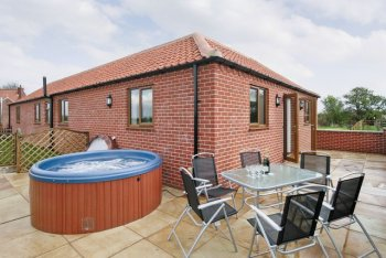 Mill Stone Cottage, Hogsthorpe, Lincolnshire